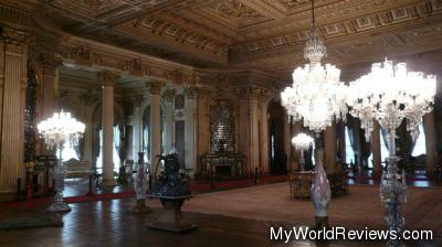 A very large room inside the palace
