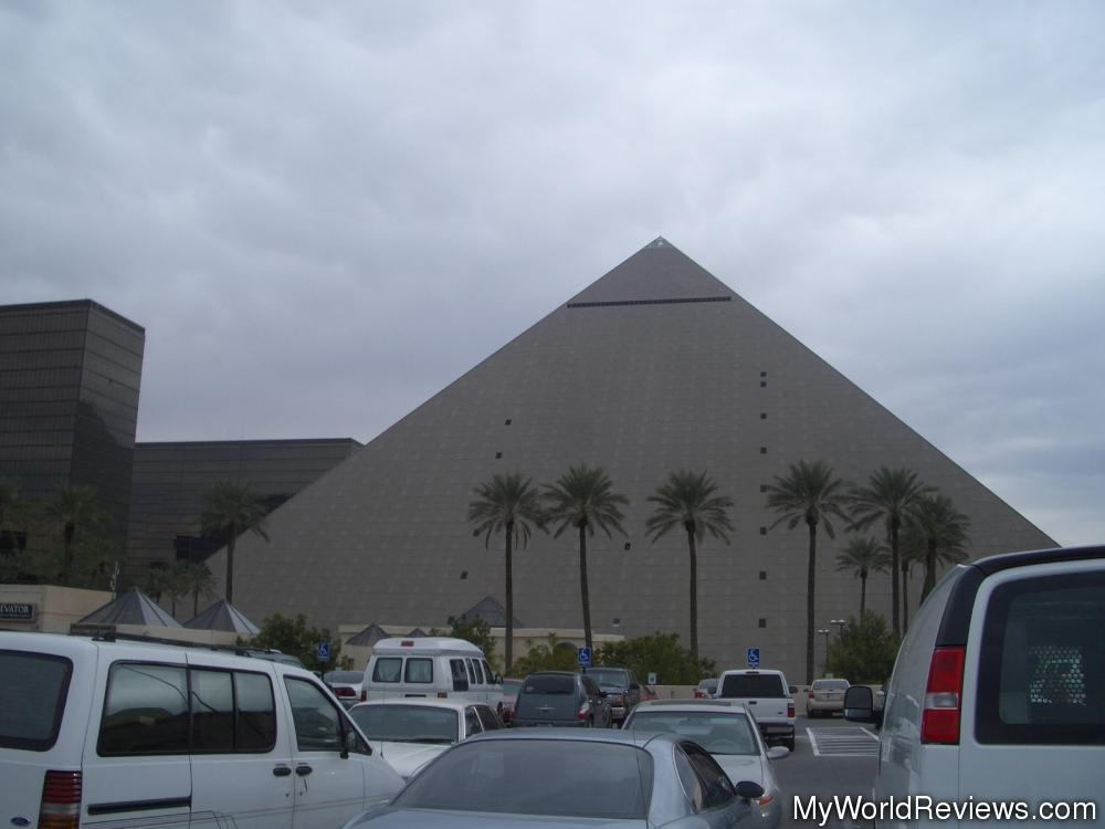 Review of Luxor Hotel at MyWorldReviews com