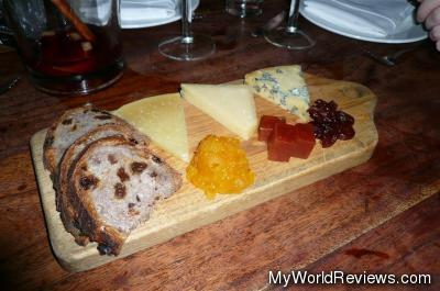 Plate of 3 Cheeses
