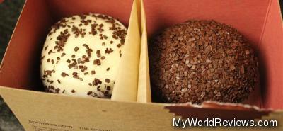 Black & White and Dark Chocolate cupcakes