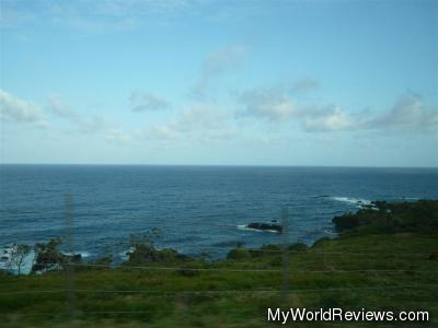 A view of the ocean from the Hana Highway